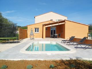 2 bedroom House with Internet Access in Saint-Marcel-de-Careiret - Saint-Marcel-de-Careiret vacation rentals