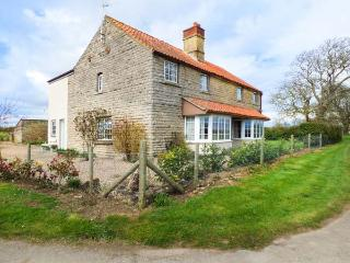 GRANGE FARM COTTAGE en-suites, open fire, pet-friendly in Sleaford Ref 932449 - Sleaford vacation rentals