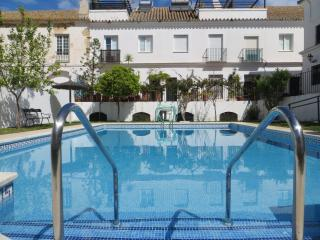 Casa 9 Sanlucar Offers Wonderful house with Pool A/c WiFi Fibre Optic & Parking - Sanlucar de Barrameda vacation rentals
