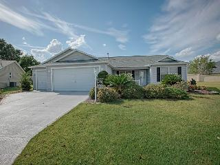 Beautiful home with private putting green. complimentary golf cart - The Villages vacation rentals