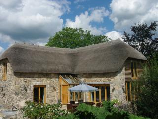 The Tithe Barn: Five Star Gold Award VisitEngland - Ashburton vacation rentals