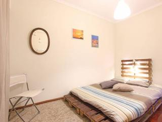 Flea Market Apartment - Lisbon vacation rentals