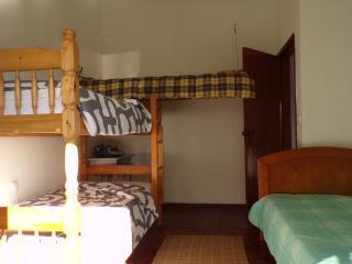 Hang House 5 min da praia e 2 min do rio - Vila Praia de Ancora vacation rentals