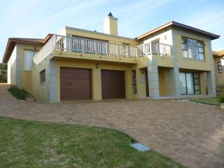 Luxurious Holiday Home on the Golf Estate to rent - Mossel Bay vacation rentals