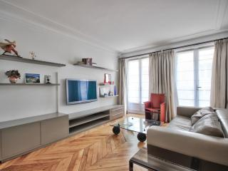 Victor Hugo - Cosy apt - Paris vacation rentals