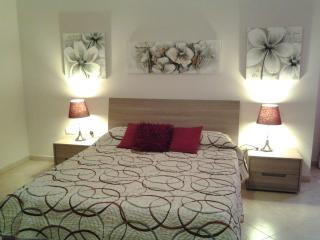 New Modern Sliema Apartment with 3 Bedrooms Sleep 6/7 persons - Sliema vacation rentals
