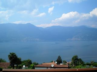 Studio with stunning lake view and private pool - Brezzo di Bedero vacation rentals