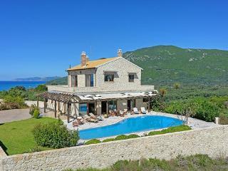 Villa Petrino Halikouna 300m from halikouna beach - Halikounas vacation rentals