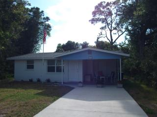 Charming house, walk to downtown, 3 mi to beach - Englewood vacation rentals