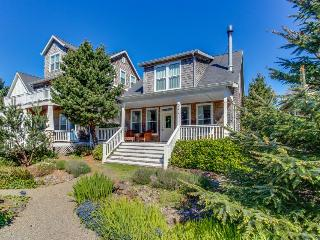 Gorgeous, stylish family home with a game room - close to the beach! - Depoe Bay vacation rentals