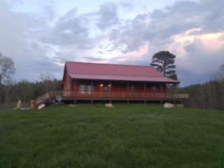 Relaxing Ranch near Lynchburg - Lynchburg vacation rentals