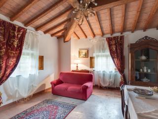 Villa i Poggetti - Appartamento B - Castelfiorentino vacation rentals