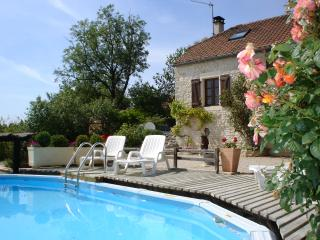 La Grange, farmhouse with private pool and garden - Salviac vacation rentals