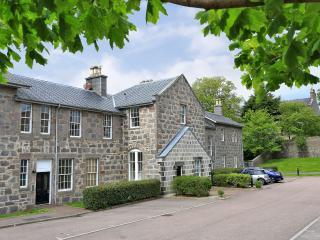 Romantic 1 bedroom Condo in Aberdeen - Aberdeen vacation rentals