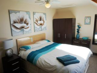 Lovely Condo with Internet Access and Television - Barnsley vacation rentals
