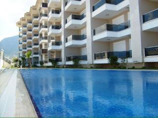 NEAR BY SEA ,WİTH S.POOL AND İNDOOR POOL. - Kestel vacation rentals