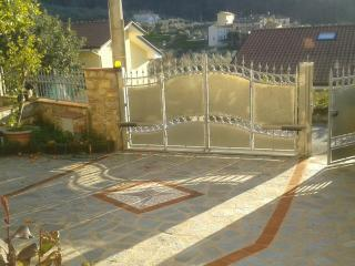 "Casa con giardino in collina ""l'arancio"" - Massarosa vacation rentals"