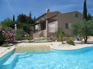 VILLA SLEEPS 6, PRIVATE POOL, NR SHOPS AND BEACHES - Le Castellet vacation rentals