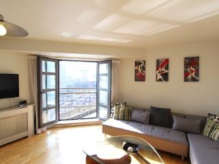 Central, Manchester Superb Holiday Apartment (6) - Manchester vacation rentals