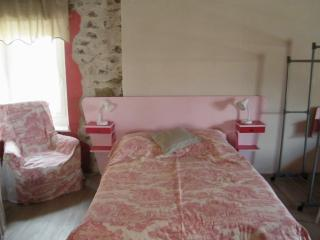 Romantic 1 bedroom Argens-Minervois Gite with Internet Access - Argens-Minervois vacation rentals
