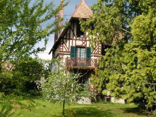 Ker Marie vous accueille : gîte sur parc arboré - Gesnes-le-Gandelin vacation rentals