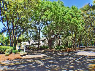 Twin Oaks 205 - Sea Pines Townhouse with Great Views - Hilton Head vacation rentals
