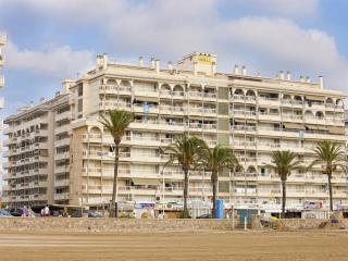 Bright Castellon de la Plana vacation Apartment with Washing Machine - Castellon de la Plana vacation rentals