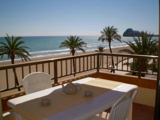 Cozy 3 bedroom Castellon de la Plana Apartment with Washing Machine - Castellon de la Plana vacation rentals