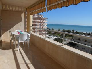 Bright 2 bedroom Castellon de la Plana Condo with Washing Machine - Castellon de la Plana vacation rentals