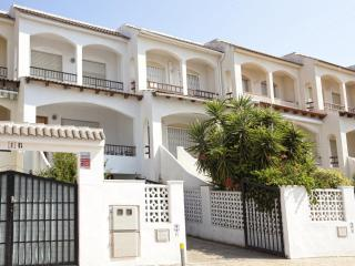 Bright 3 bedroom Peniscola House with Washing Machine - Peniscola vacation rentals