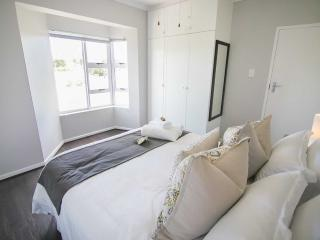 2 bedroom House with Television in Grahamstown - Grahamstown vacation rentals