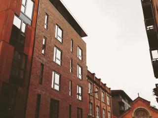 6E Northern Quarter, 2 bed,slps 6 - Manchester vacation rentals