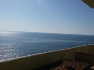 Benalbeach. 1 bedroom beachfront apartment - Benalmadena vacation rentals