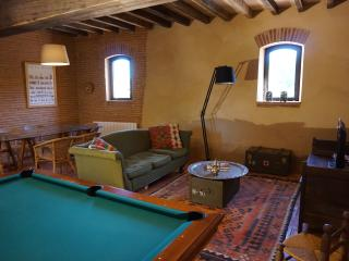 Quiet and authentic cottage near Airbus Toulouse - Beauzelle vacation rentals