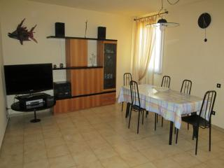 In Toscana, 75 mq Private parking at 250m - Livorno vacation rentals