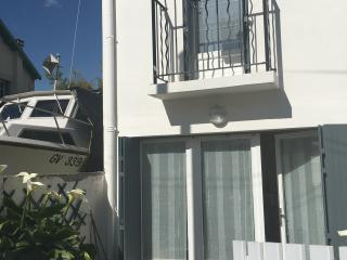 Le Garage - Maisonnette cosy à 100 m du port Nord - Fouras vacation rentals