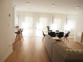 Sleep&Stay Luxury 3 bedrooms Carrer Nou Girona - Girona vacation rentals