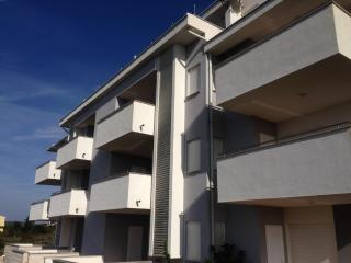 APARTMANI NOVALJA-GAJ B3 TIP4+2 - Novalja vacation rentals