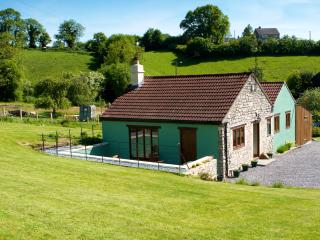 2 bedroom Cottage with Internet Access in Bath - Bath vacation rentals
