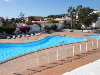 Nice Condo with Internet Access and Shared Outdoor Pool - Las Galletas vacation rentals