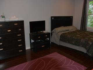 Comfortable Big Room Close to T and Boston - Somerville vacation rentals