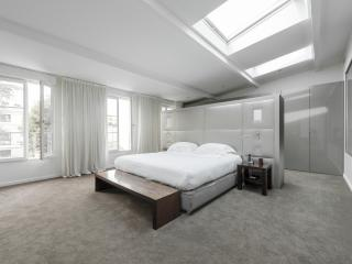 onefinestay - Rue Chauveau apartment - Paris vacation rentals