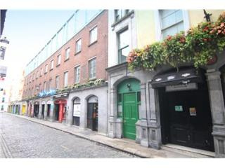 Bright 2 Bedroom Apartment in Templebar - Dublin vacation rentals