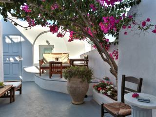 Santorini Villa in Greek Village of Imerovigli - Villa Thalia - Imerovigli vacation rentals