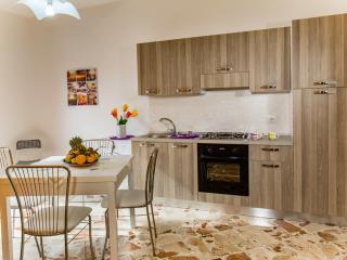 Arricàmpati bilocale 4 persone 1km mare con cucina - Villagrazia di Carini vacation rentals