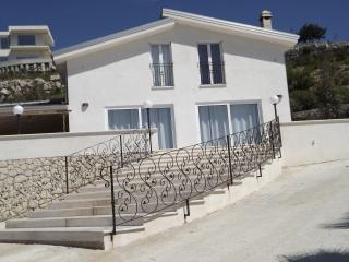 Nice Villa with Satellite Or Cable TV and Parking - Favara vacation rentals