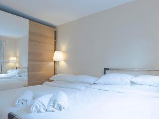 2 Bed Apartment In Old Street | Silicon Roundabo - London vacation rentals