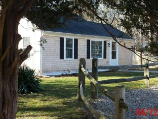 Cliff Cottage By The Pond - Dennis vacation rentals