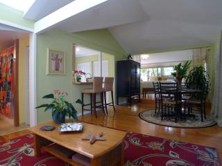 Romantic Cottage with Internet Access and Garden - Haiku vacation rentals
