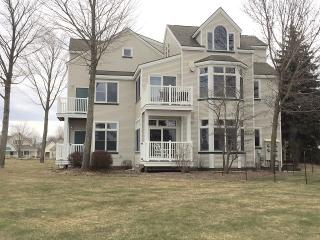 Quaint First Floor Condo With Water Views - Manistee vacation rentals